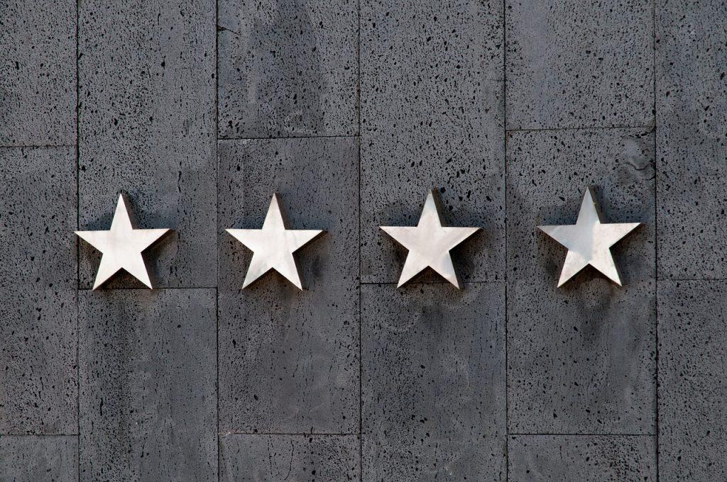 laatu neljä tähteä