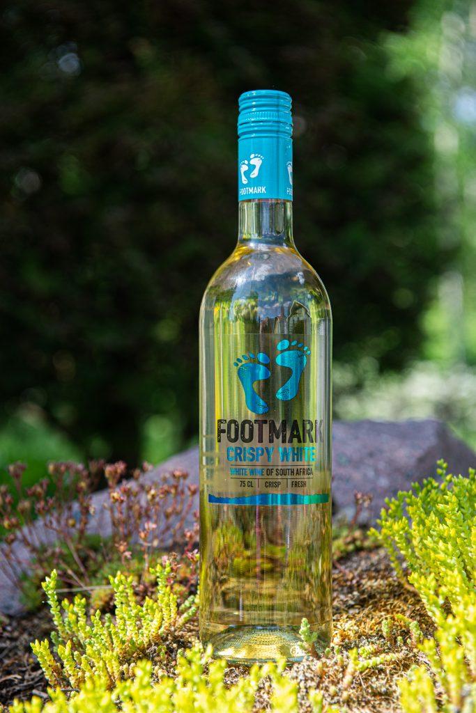 Footmark Crispy white