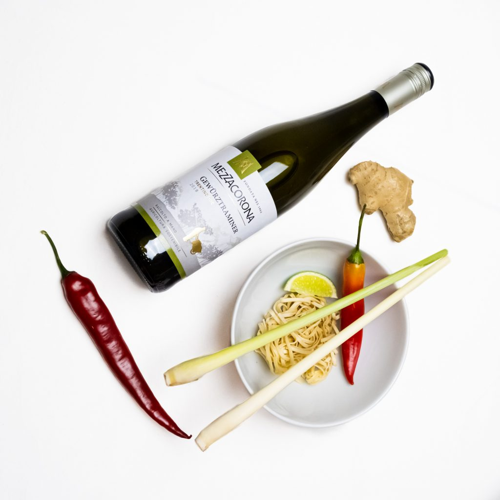 Mezzacorona Gewürztraminer ja itämainen ruoka