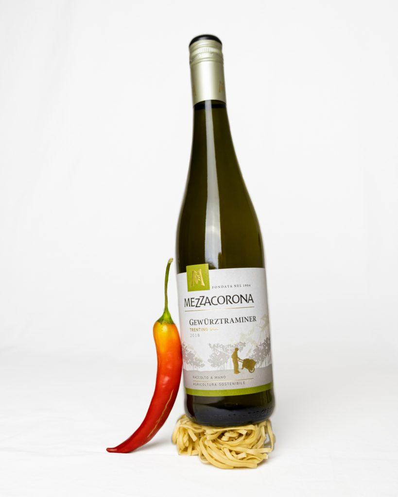 Mezzacorona Gewürztraminer ja chili